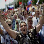 Реакция жителей Донбасса на решение Путина о паспортах РФ