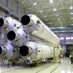 Космический щит страны: не пора ли передать «Роскосмос» военным?
