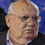 За что мы до сих пор платим «предателю» Горбачеву?