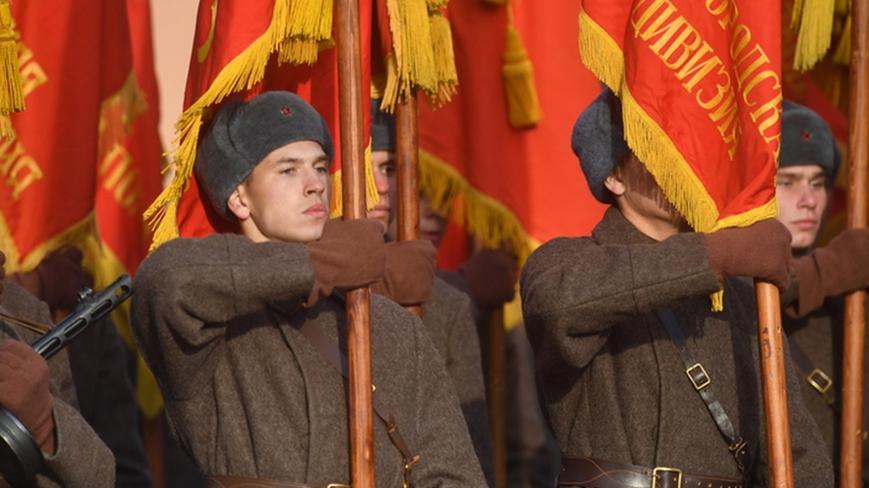 Таблетка для памяти: В Соцсетях поддержали рассекречивание свидетельств того, как встречали Красную армию в Европе