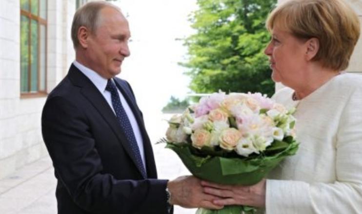 Меркель делает слишком мало для спасения отношений с Россией — депутат Бундестага