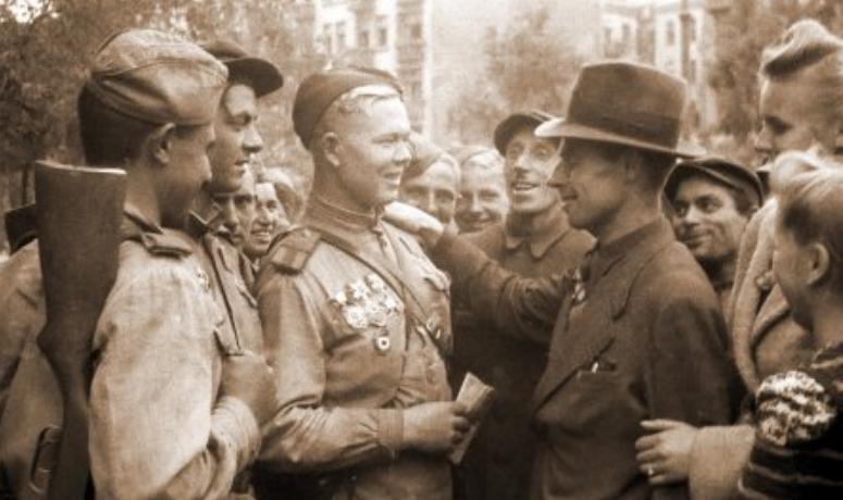Поляк: победили бы в войне и без вас, русских