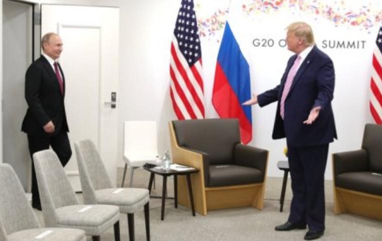 Запад в ужасе: Путин не стал изгоем, санкции Россия с себя снимать не хочет