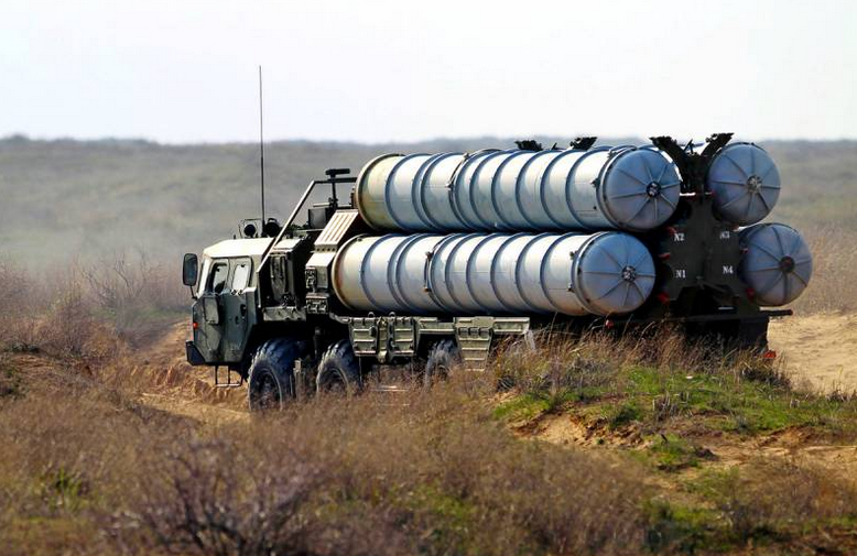 Почему Израиль безнаказанно бомбит Сирию под носом у С-300
