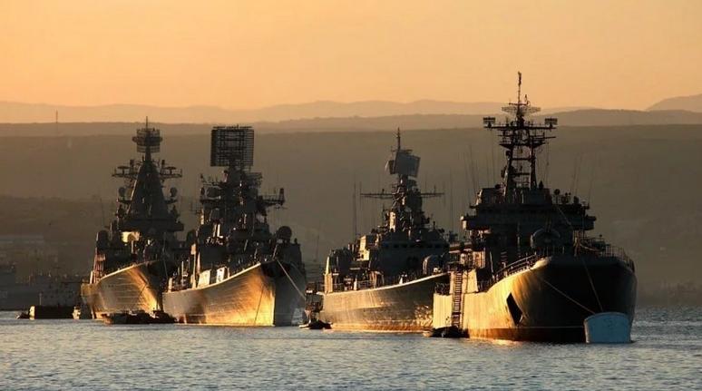 «Запад уже разозлил Россию»: В Киеве боятся повторения «сирийского сценария» из-за ситуации в Чёрном море