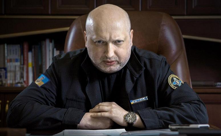 Турчинов пообещал взорвать Крымский мост. Москва ответила на угрозы
