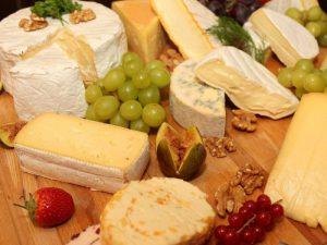 Диетологи рассказали, как молниеносно похудеть на сыре