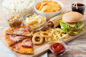 Врачи назвали продукты, которые способны вызвать рак у человека
