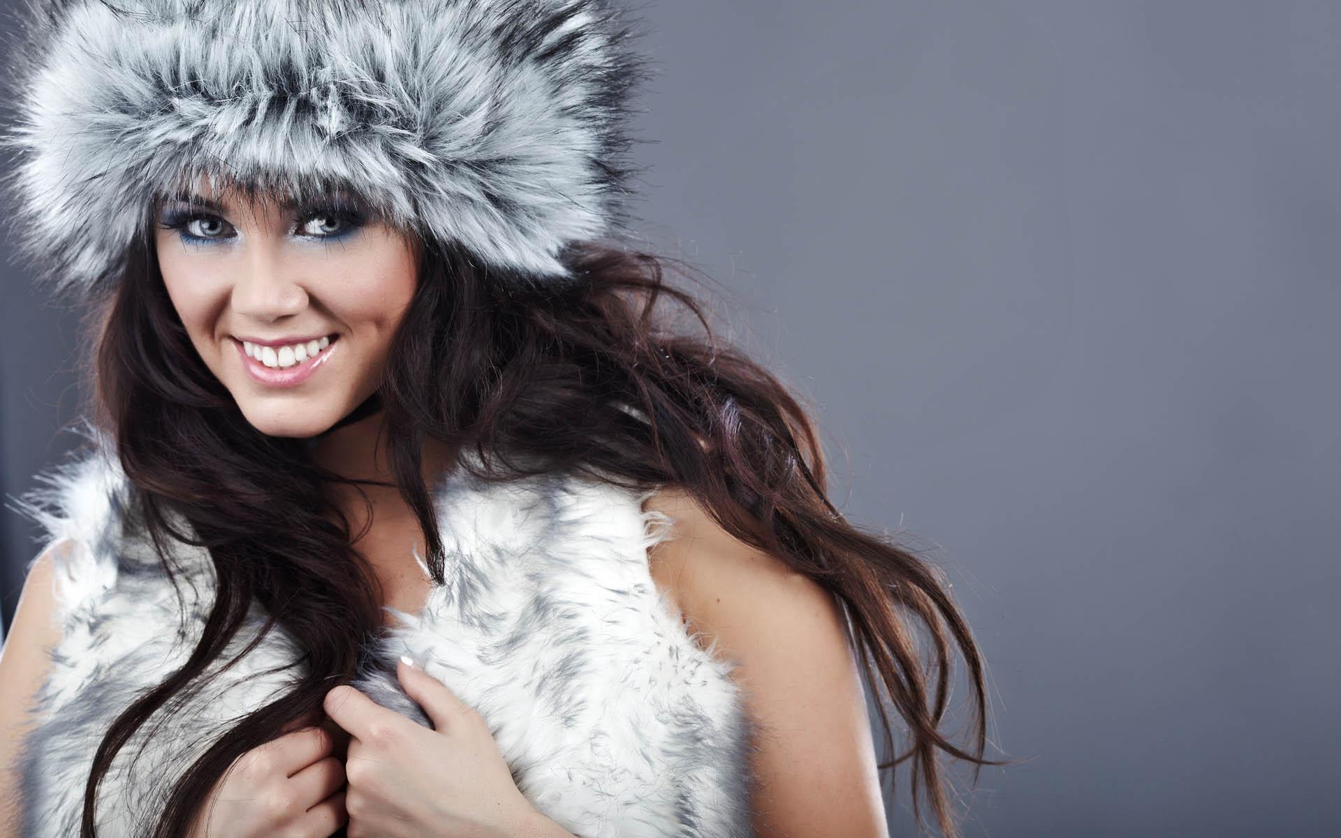 Меховые шапки для молодых девушек
