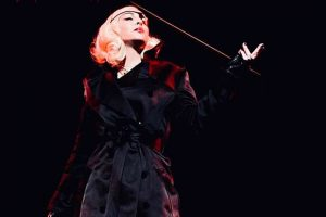 Мадонна отменила три концерта из-за непреодолимой боли
